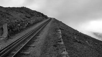 Snowdon railway net onder de top van Mount Snowdon in Snowdonia in Wales.