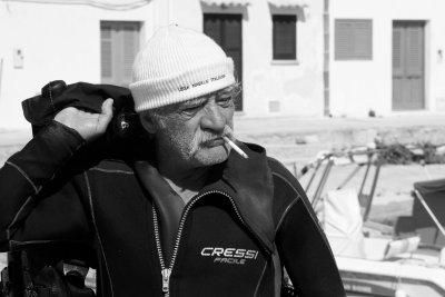 Portret van een stoere duiker op Sicilië.