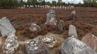 Monument voor het onbekende kind op landgoed Delhuyzen op de Veluwe.