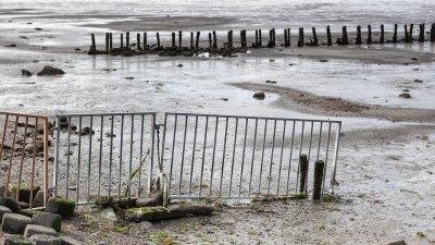 Laag tij op het Uithuizer wad aan de Groningse waddenkust.