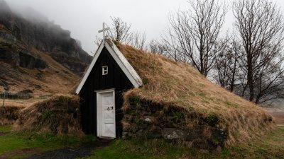 Kerkje in Núpsstaður in Zuid-IJsland.